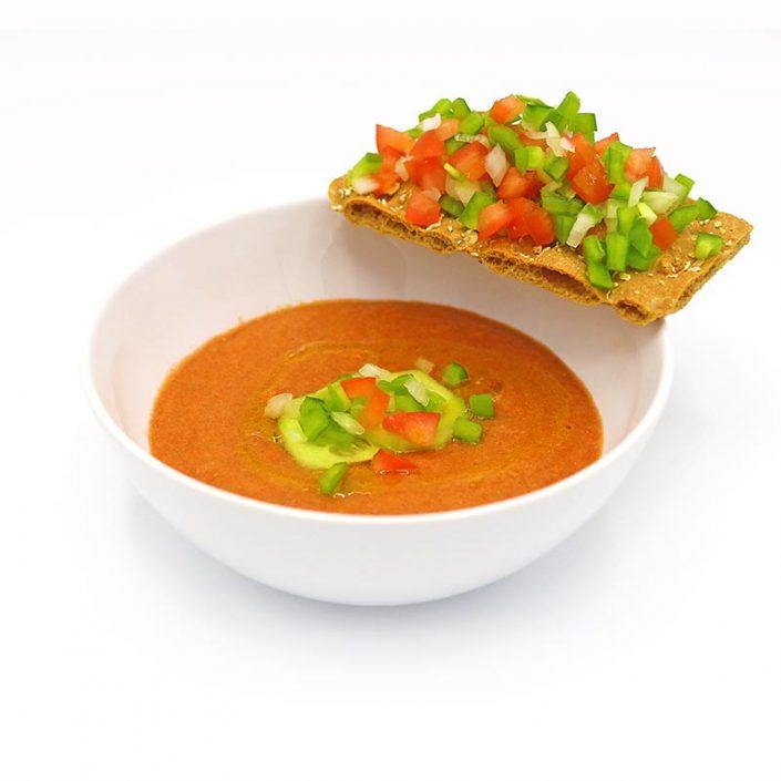 Gazpacho con tosta de crudites