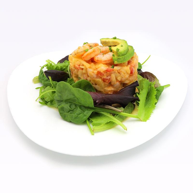 Tartar de langostinos, piña y salsa cocktail