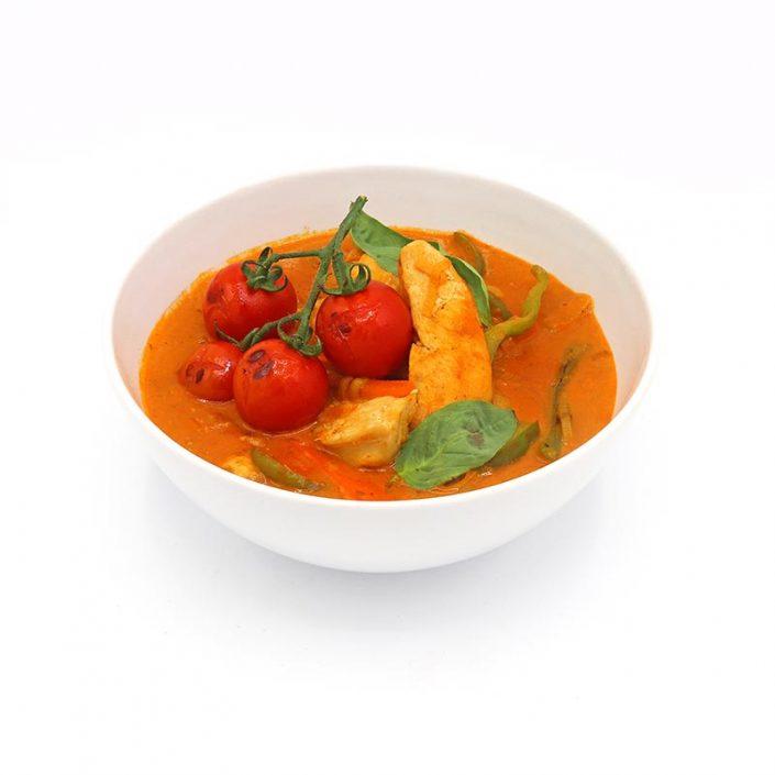 Pollo al curry rojo con verduras